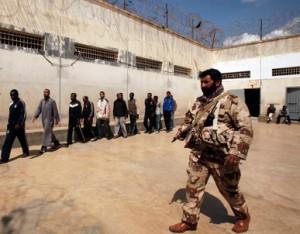 aus diesem Gefängnis in Benghazi wurden wahrscheinlich auch diese Gefangenen befreit - Hurra, Bravo!